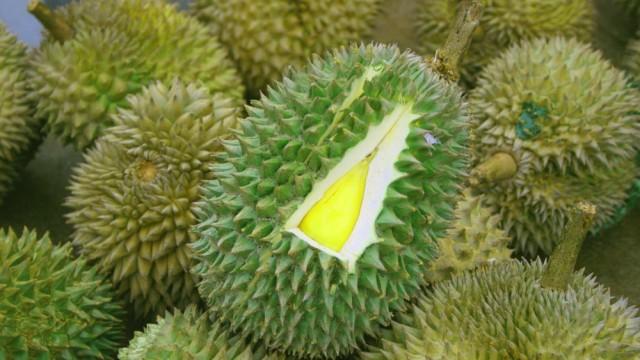 8-Weird-Feria-Fruits7-e1439768125526