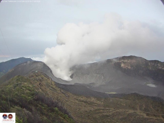 You can see the new ashes in clear gray to the right of the crater.